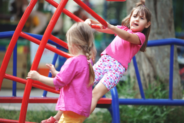 four-tips-how-to-ensure-kids-safety-in-the-playground